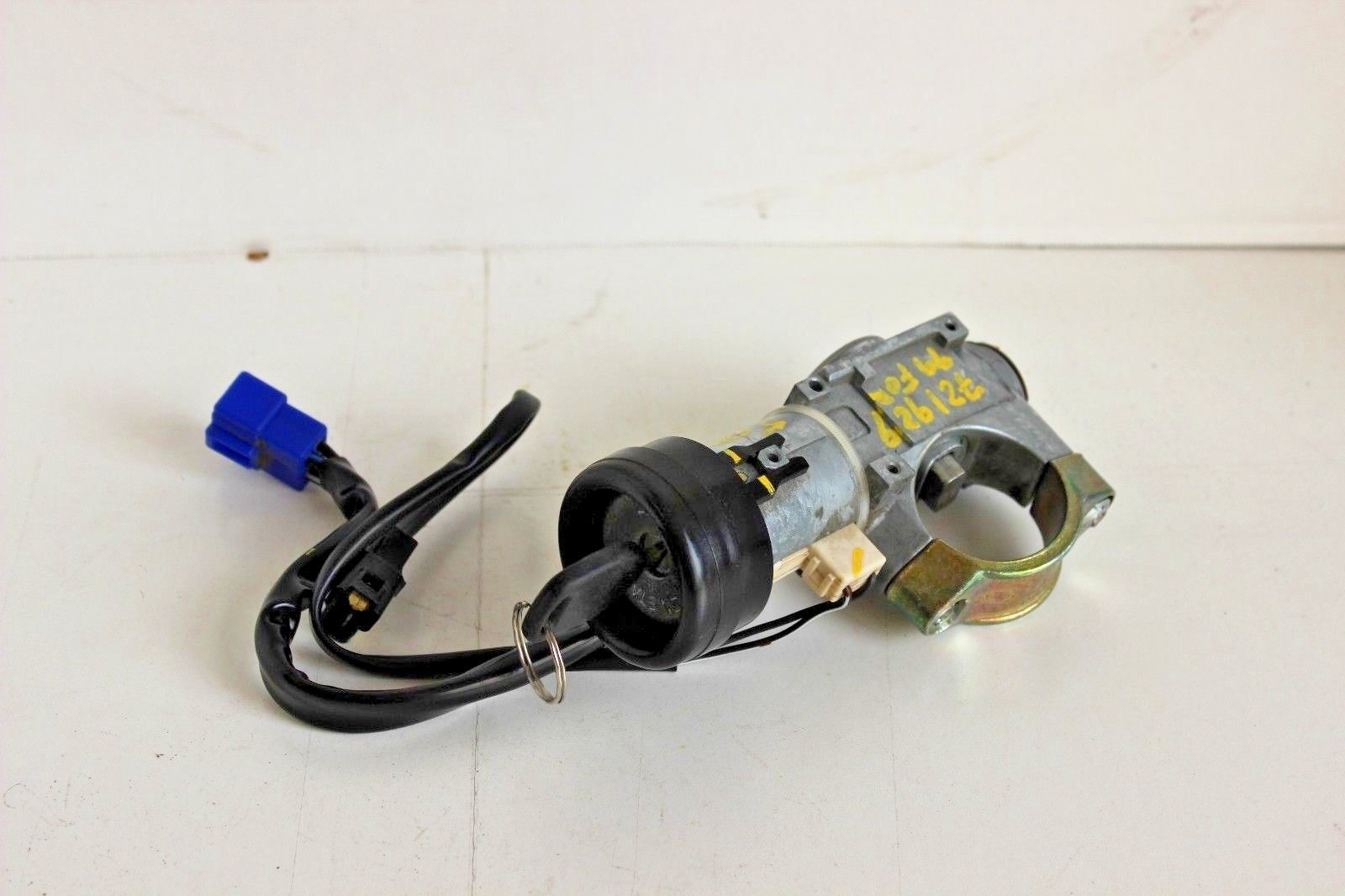 1998-2002 Subaru Forester Ignition Switch Lock Cylinder With Key 5 Speed  Manual