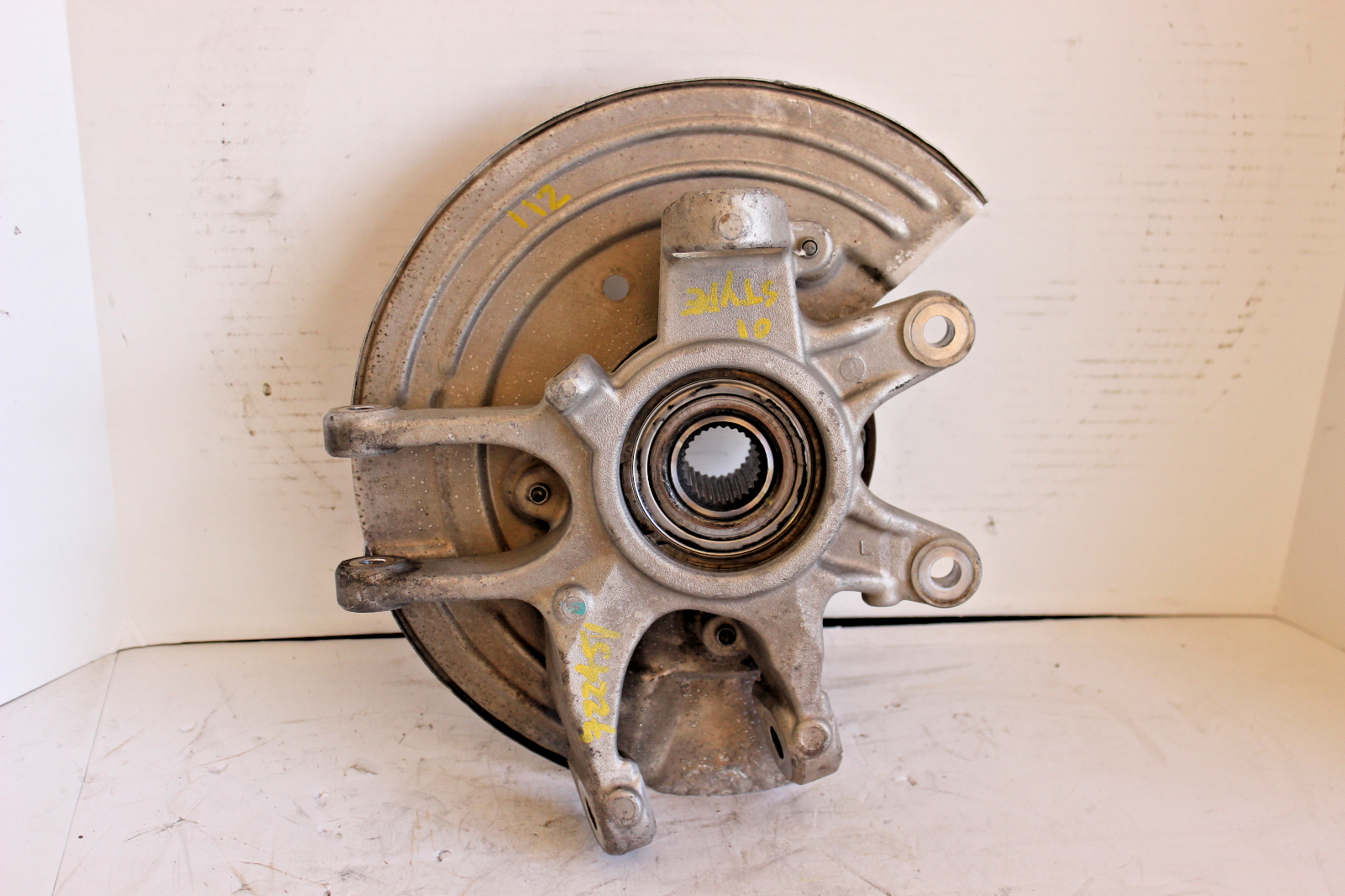 1999-2000-2001-2002 JAGUAR S-TYPE RIGHT REAR SPINDLE