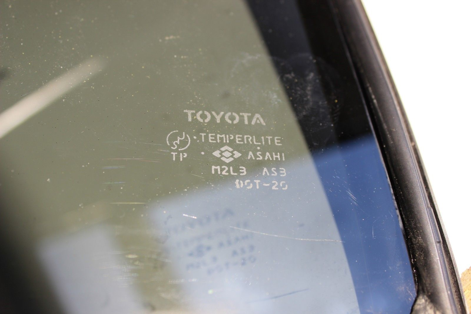 Toyota Highlander Service Manual: Rear axle LH hub bolt