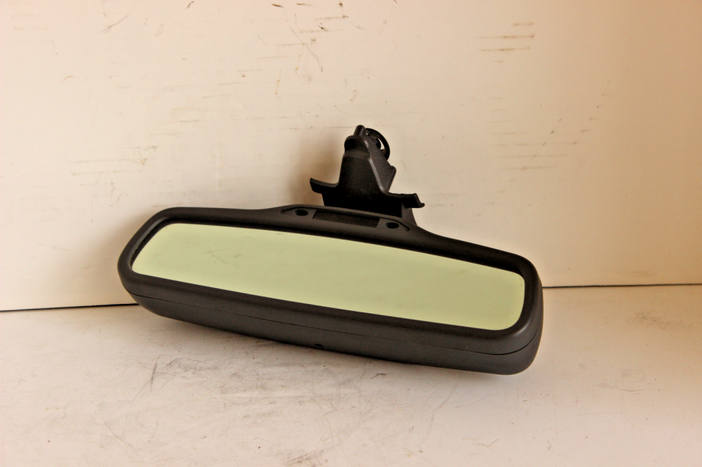 From 03 to 06 Volvo XC90 Rear View Mirror Map Dome Overhead Light Assembly Oem